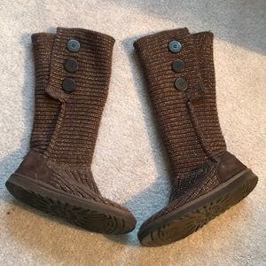Ugg classic cardi boots in brown